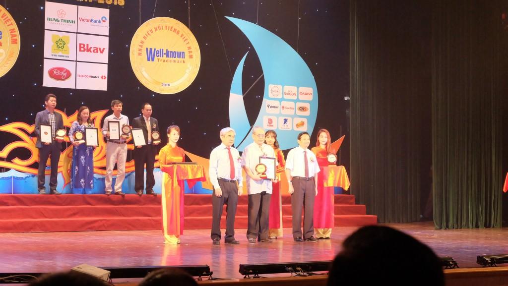 Thuốc Procare nhận giải thưởng Nhãn hiệu cạnh tranh năm 2016 2