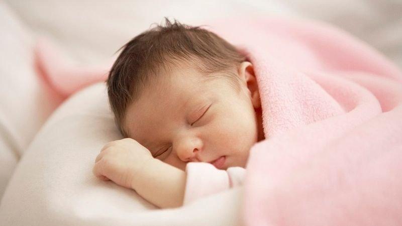 Nguyên nhân làm trẻ sơ sinh dễ bị hạ thân nhiệt: 1