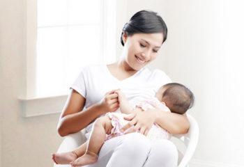 Làm sao biết bé bú đủ sữa mẹ ?