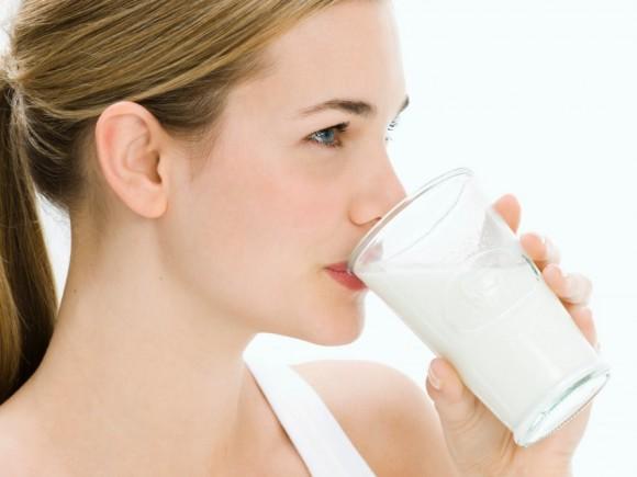Mẹ cho con bú nên uống sữa gì ? 1