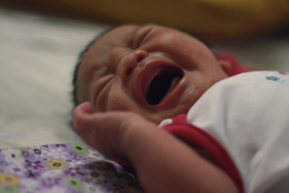 2. Làm gì khi bé không chịu bú mẹ? 1