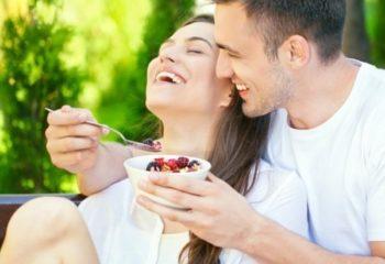 Đàn ông ăn gì để vợ dễ thụ thai