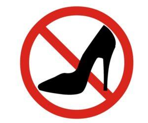 Không mặc quần áo bó chặt và đi giày cao gót 1