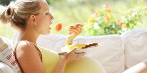 Cách chăm sóc bà bầu - Chế độ dinh dưỡng 1