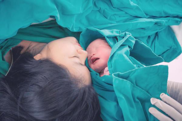 Tự chăm sóc sức khỏe thời kỳ hậu sản sau sinh 1