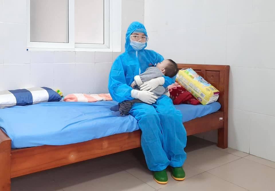 Hình ảnh mang thai và sinh con trong khu cách ly đặc biệt ở Quảng Ninh 4